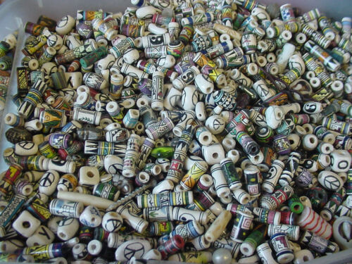 Big lot of 100 Hand Painted Vintage mixed Ceramic Peruvian Inca loose Bead 1980