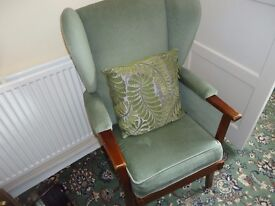 house clearance chandlers ford,tv,gas cooker,1950 dressing table,single bed,round table