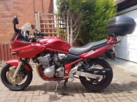 SUZUKI BANDIT GSF600S 2002 . FULL SERVICE HISTORY. 21,800 miles only