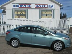 2012 Ford Focus SE!! LOW KMS!! HEATED SEATS!! CRUISE!!