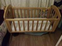 Mama's and Papa's Crib