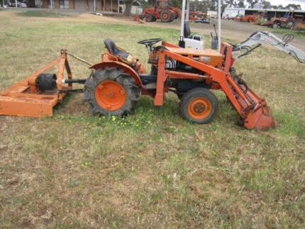Kubota B7001 4in1 loader 4wd with rotary hoe