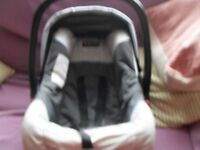 Babystyle Auto Collection baby carrier / car seat. 0-15 months