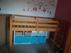 Solid wooden midsleeper from very
