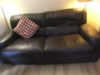 3 SEATER LEATHER SETTEE