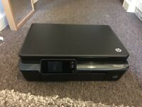 HP Photosmart 5520 Printer / Scanner - no wires included.