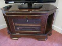 Corner cabinet for TV/DVD