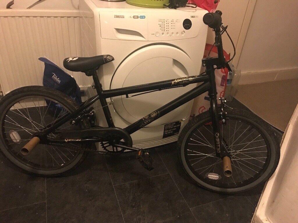 BMX bike nearly new