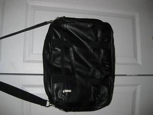 BUXTON LEATHER CARRY BAG London Ontario image 1