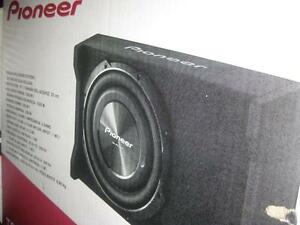 """Pioneer 10"""" Loaded Shallow Mount Car / Truck Subwoofer Enclosure. 1200 Watt Peak. 4 Ohm Impedance. Boost the Bass. NEW"""