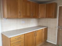 Oak kitchen Units/Appliances