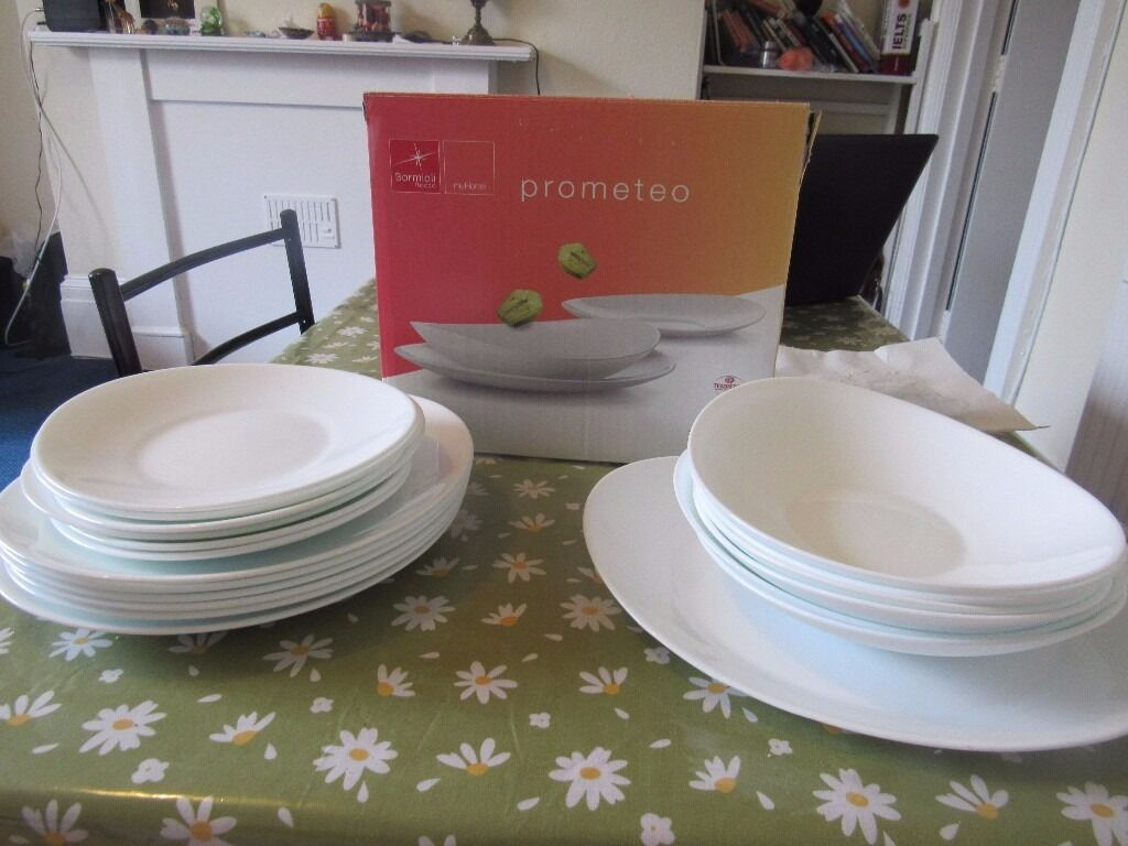 Second Hand Dinner Set. 18 pieces. | in Clifton, Bristol | Gumtree