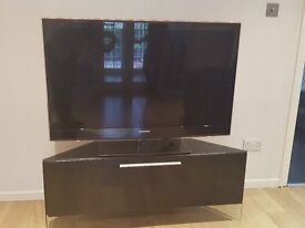 Black Samsung 51' LED Plasma TV + High gloss black TV cabinet