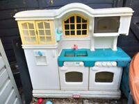SOLD ***Little tikes Play kitchen