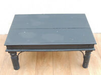Dark coffee table chunky (Delivery)