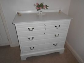 CHEST OF DRAWERS PAINTED COUNTRY WHITE