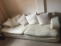 *URGENT SALE* *MUST GO ASAP* 4 Seater Cream Sofa Very Large and Comfy
