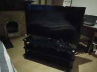 """SAMSUNG EU46F5000AK 46"""" 1080p LED TV Hardly Used With Stand"""