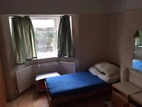 Nice Double Room In East Acton Available For 1 Person, All Bills Included, Zone 2