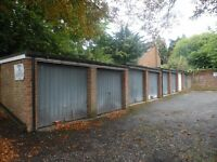 Garages to Rent: Malvern Court off Addington Road, Reading - ideal for storage