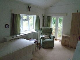 Single occupancy private access ensuite room in lovely country house, female preferred