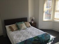 Extra large double room available in lovely house in Dover