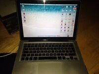 """Macbook 2008 13"""" 2 Ghz, Core 2 Duo, including case and cover."""