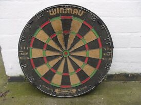 WINMAU PURE BRISTLE DART BOARD