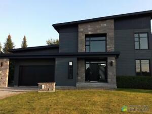 560 000$ - Maison 2 étages à vendre à Victoriaville