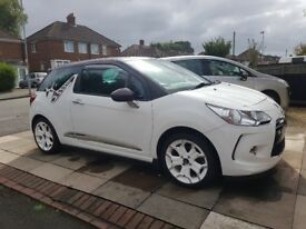 DS3 racing, white with decal, white enamel alloy wheels, sat nav, Bluetooth