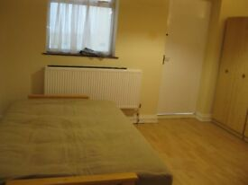 2 double rooms in Isleworth, Suummerwood road
