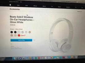 Brand new sealed beats solo3 wireless on Ear headphones gloss white I paid £249 from Apple