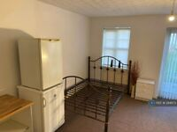 1 bedroom in Moston Lane, Manchester, M9 (#294873)