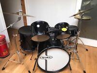 Mapex Voyager Drumkit.