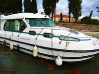 NICOLS BOAT RENTAL WITHOUT LICENSE IN SOUTH OF FRANCE CANAL DU MIDI AGDE-BEZIERS