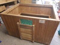 Solid pine whelping box