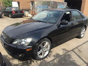 2005 Lexus IS 300 Leather and sunroof