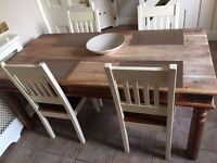STUNNING SOLID OAK DINING TABLE AND 4 CHAIRS FOR SALE - EXCELLENT CONDITION