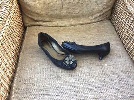 M&S Per Una Ladies kitten heal shoes.