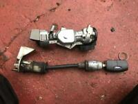 Ford Focus Mk2 ignition barrel and bonnet lock with key