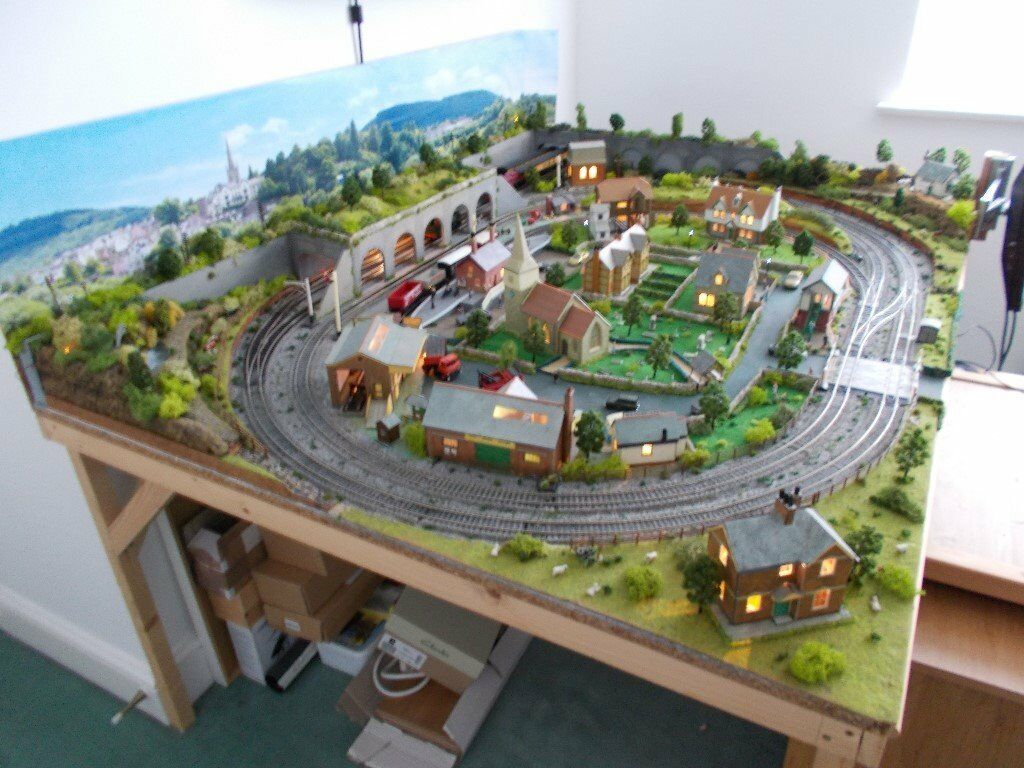 Hornby model railway layout 6ft X 4ft   in Portsmouth, Hampshire   Gumtree
