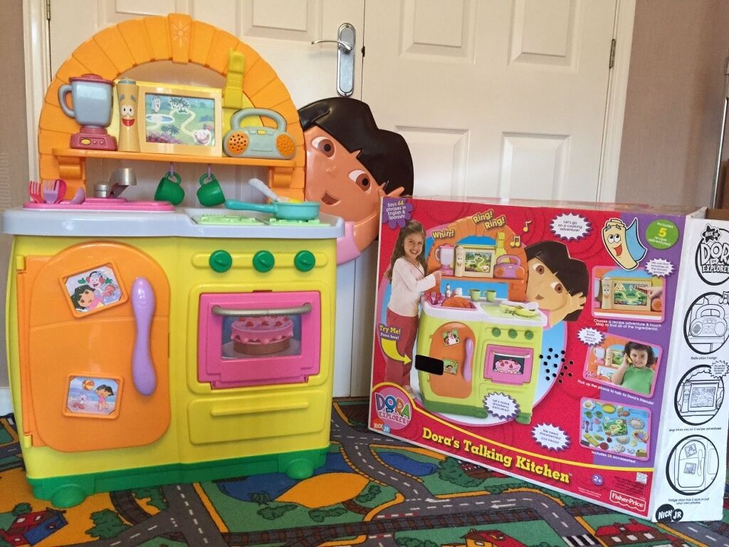 Fisher Price Dora S Talking Kitchen Excellent Condition Including All Accessories And Box