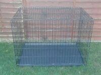 DOG CAGE X LARGE WITH METAL TRAY £40 AS NEW