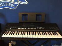 Digital keyboard PSR E433
