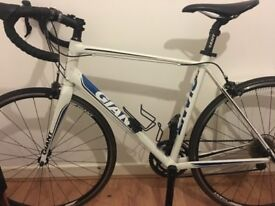 Giant Defy Road Bike (Medium)