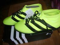 men football boots size 9.5