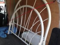 GOOD QUALITY METAL SINGLE BED FRAME IN GOOD USED CONDITION FREE LOCAL DELIVERY AVAILABLE 07486933766
