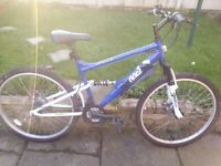 Apollo unisex Mountain bike very clean..