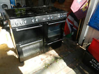 Belling GAS Range Cooker colour BLACK