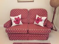 VALE BRIDGECRAFT 2 SEATER SOFA WITH 2 CHAIRS & 4 SCATTER CUSHIONS
